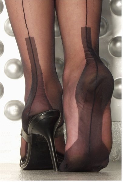 Fully Fashioned Stockings - Cuban Heel