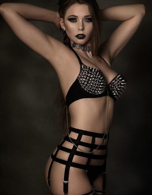 Suspenders Suspender Belt Black 6 Strap Nylon Dreams Promo 1 NDBTP6