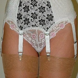 Suspenders Suspender Belt White Black 6 Strap Nylon Dreams NDL7